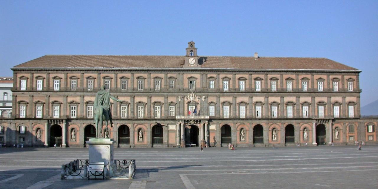 Campania CRBC - Palazzo Reale di Napoli :.